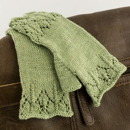 Leah Mitts - Knitting pattern