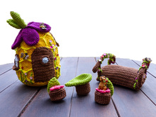 Miss Bumble Bee and Her Beehive amigurumi pattern ...   165x220