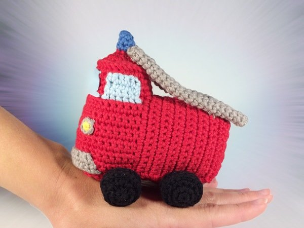 Truck crochet part # 1 Material list Tutorial YouTube - YouTube | 450x600