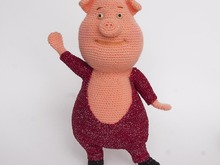Amigurumi pattern for a dancing Gunter pig. Crochet piglet