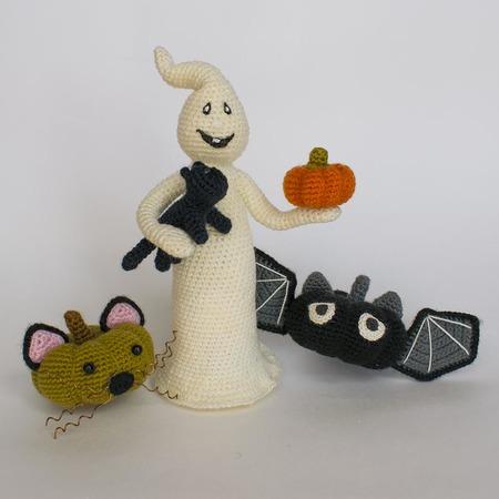 Amigurumi Halloween Ghost in Dress Free Pattern – Amigurumi Free ... | 450x450