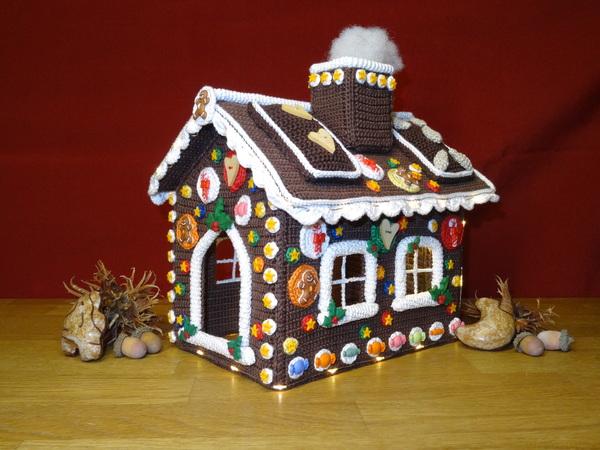Lebkuchenhaus häkeln /// Weihnachtsdeko