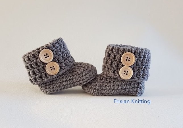 e1064445bd59 Crochet pattern baby booties   baby Uggs