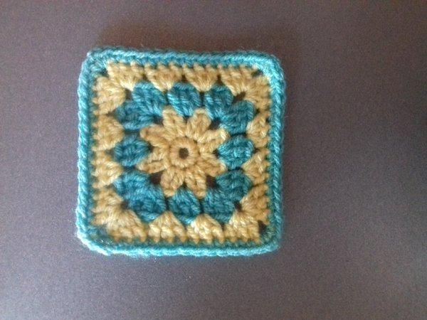 Granny Square mit Blume Häkelanleitung-zwei Muster