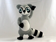 Randy the racoon crochet pattern