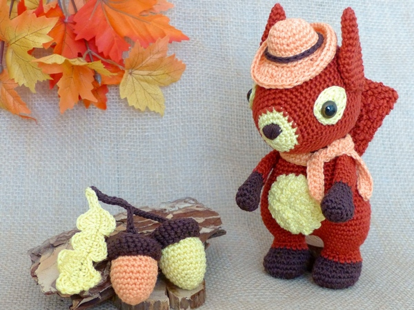 Lucky Cat Amigurumi Pattern – Snacksies Handicraft | 450x600