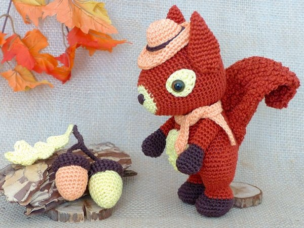 Louis, the Lucky Squirrel – Crochet Pattern