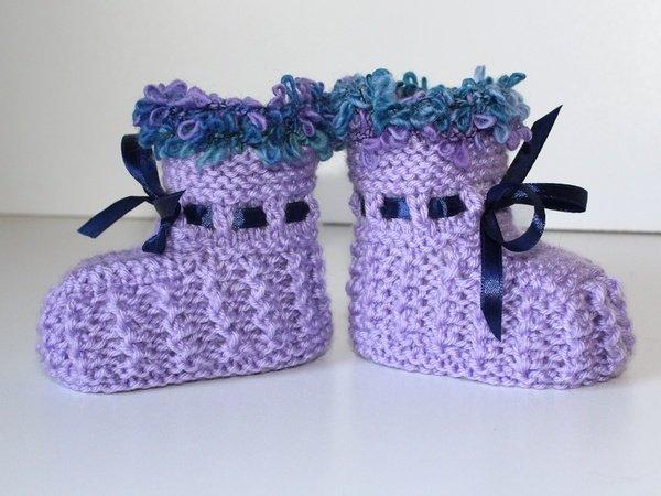 strickanleitung babyschuhe baby booties ohne nadelspiel f r anf nger geeignet. Black Bedroom Furniture Sets. Home Design Ideas