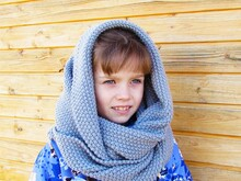 Scarf hooded knitting pattern, size for toddler, child, adult.