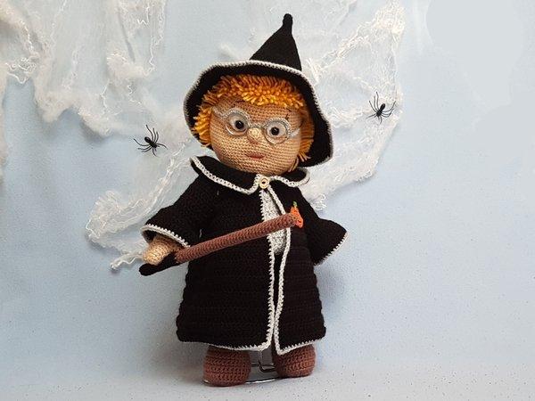 Häkelanleitung Puppenkleidung, Merlin der Zauberlehrling