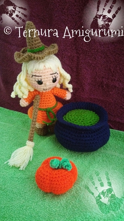 Cute Lilly Goes To Bed - Lilly Doll Crochet Pattern By ... | 450x253