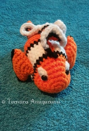 Crochet Fish Amigurumi: Clownfish - Free and quick pattern | 450x307