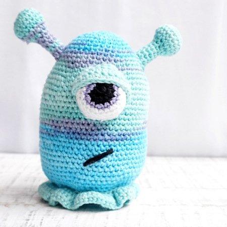 Monsterific Crochet Tissue Box Cover - Yarn Fix | 450x450
