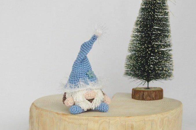 Scandinavian Gnome – Free Crochet Pattern – Make It Sew Crochet | 450x677