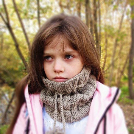 Knitted pattern hat / scarf, size for toddler, child, adult