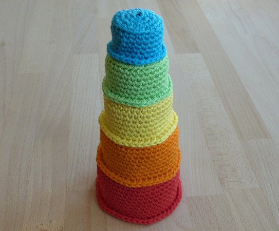 "Crochet pattern for a toddler's toy ""stacking cups"""