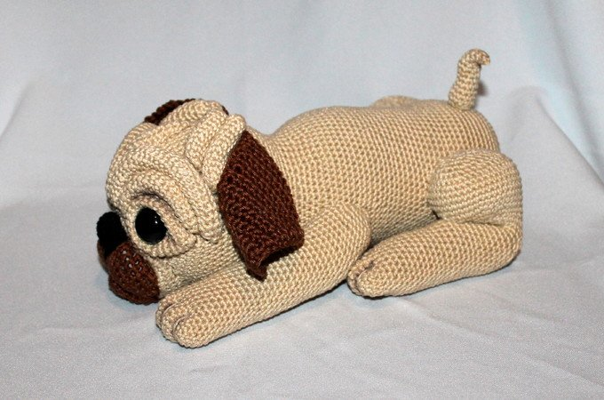 Milo the pug crochet pattern in english