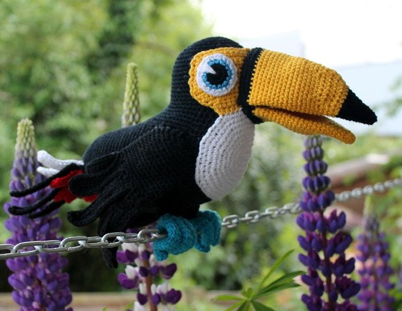Toucy the toucan crochet pattern english version