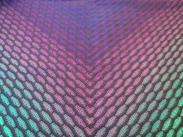 "triangular shawl ""Atlantis"", suitable for beginner"