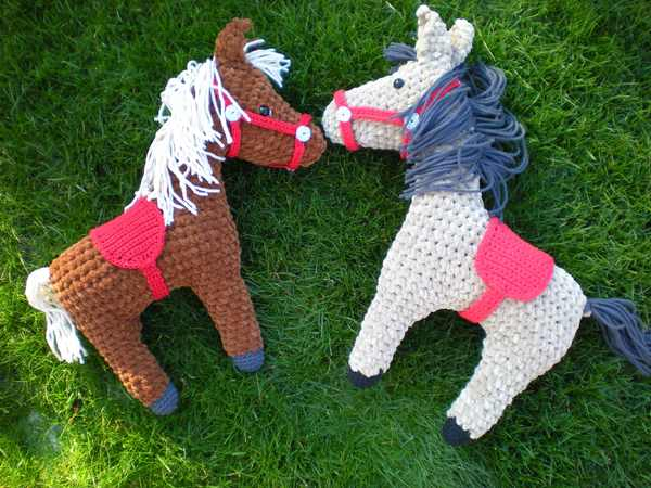 Häkelanleitung Pferd
