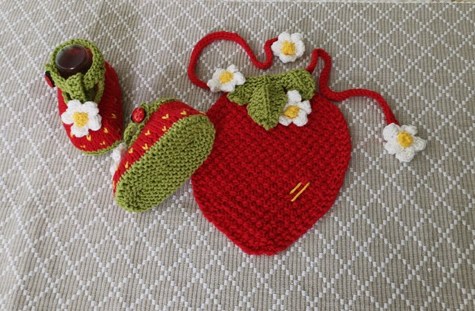 Strawberry Drool Bib and Booties (0 – 12 months)