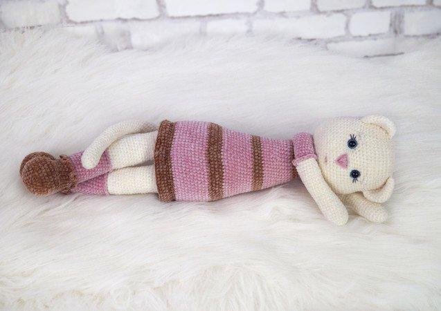 Crochet Russian Blue Cat Amigurumi Project: British Wool | TOFT | 450x637