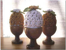 PRIMROSE - Egg Cozy with blossom bouquet