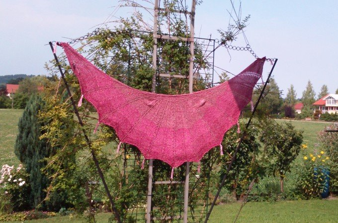 Fledermaus - knitted shawl
