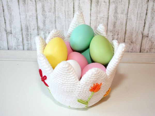 Egg Basket, egg-shaped easter basket - Crochet Pattern