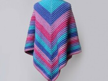 Knitted Shawl with Ridge Pattern