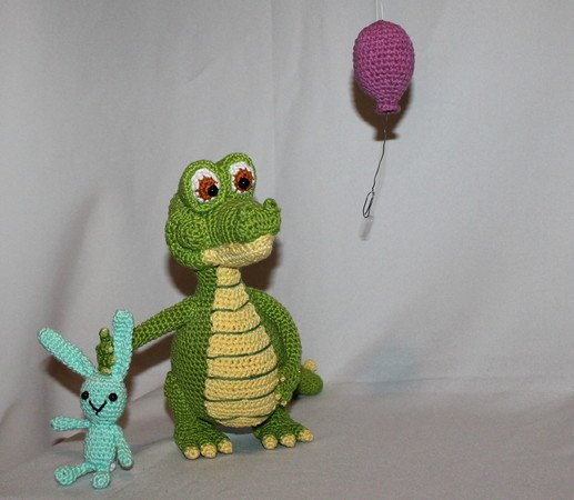 Colin the Crochet Crocodile {A Little Zoo Animal} | 450x517
