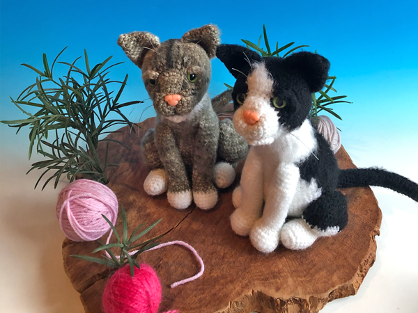 Crochet Pattern cat, crochet a sitting cat, amigurumi pattern by jennysideenreich