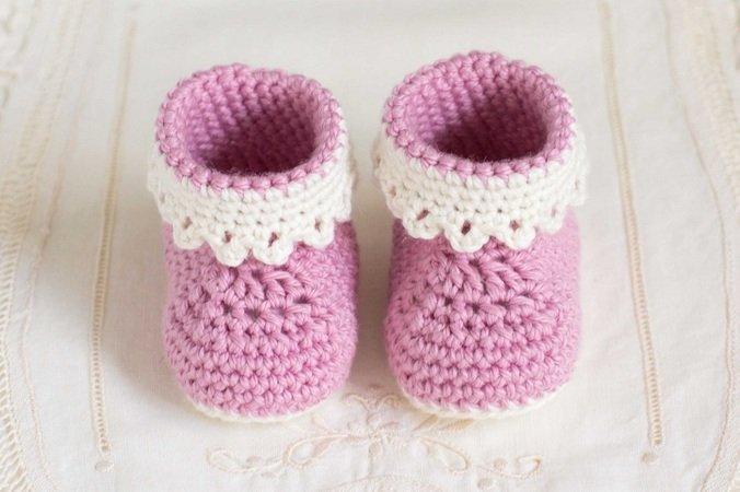 Rosa Schuhe häkeln