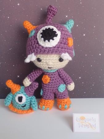 Amigurumi doll in fox costume   Amigurumi doll, Crochet patterns ...   450x338