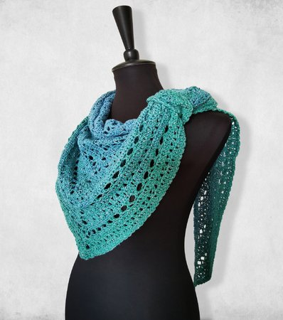 Crochet pattern shawl // triangular shawl //scarf Fixe Nixe