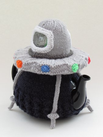Alien Spaceship Tea Cosy Knitting Pattern