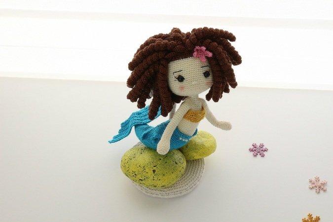 My first Amigurumi. Mermaid's hair is green per my daughter's ... | 450x675