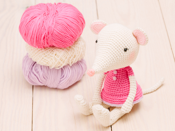 Crochet mouse couple pattern - Amigurumi Today | 450x600