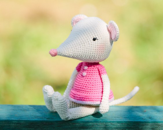 Crochet Along Amigurumi Mouse - YouTube | Crochet animal amigurumi, Crochet  mouse, Crochet projects | 450x563