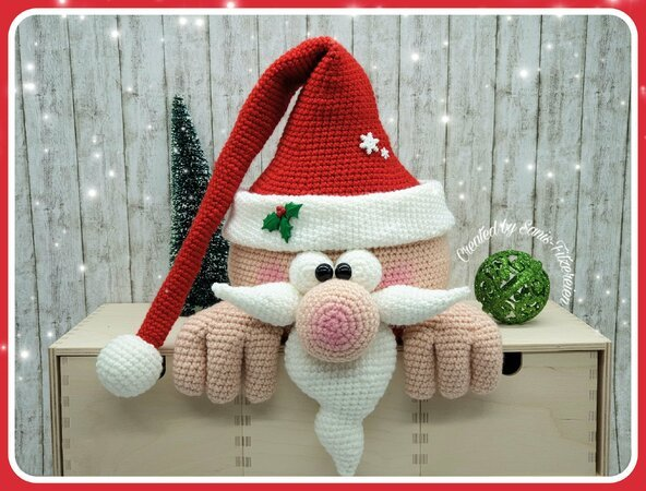 Santa Claus and Reindeer amigurumi pattern - Amigurumipatterns.net | 450x592