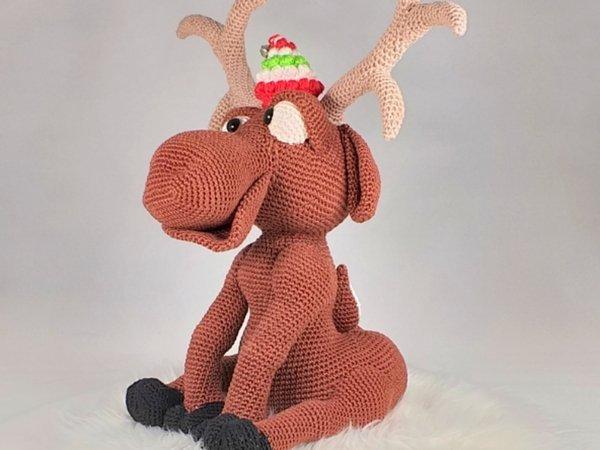 Ritva the Reindeer amigurumi pattern - Amigurumipatterns.net | 450x600
