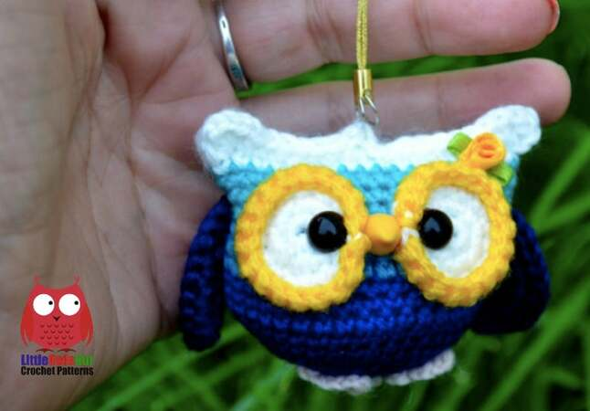 222 Crochet Pattern - Little Owl Keychain - Amigurumi soft toy PDF file by Ogol CP