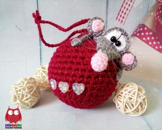 Amigurumi Crochet Rat Bookmark Creamy | 450x563
