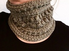 Crochet Pattern for cowl / loop scarf