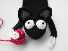 Amigurumi Crochet Cat Bookmark