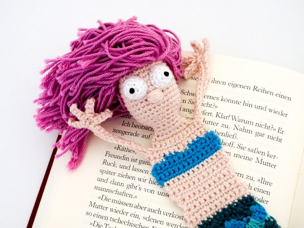 Amigurumi Crochet Mermaid Bookmark