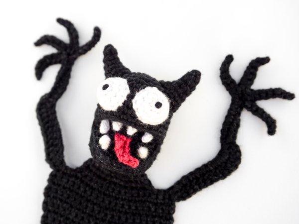 Pocket Amigurumi: 20 Mini Monsters to Crochet and Collect: Amazon ... | 450x600