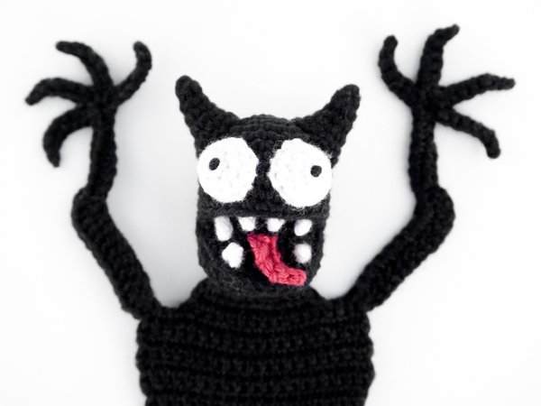 F.R.E.E] Amigurumi Monsters: Revealing 15 Scarily Cute Yarn Monsters… | 450x600