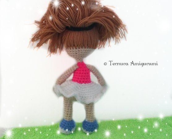 Best Amigurumi Tips and Tricks for Doll Faces - thefriendlyredfox.com | 450x556