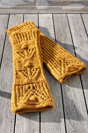 "Cuffs / Fingerless Mitts ""Winter's Dreams"", knitting pattern"